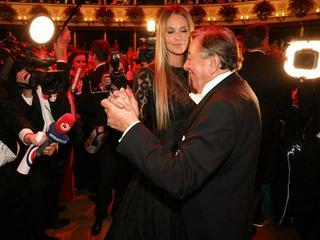 Diese Stars begleiteten Richard Lugner schon zum Opernball