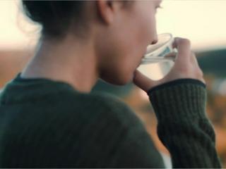 Nur Wasser trinken: Das passiert in deinem Körper
