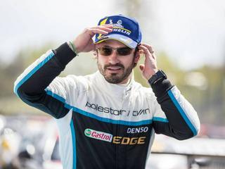 Prinz Carl Philip führt Söhnchen Alexander in den Motorsport ein