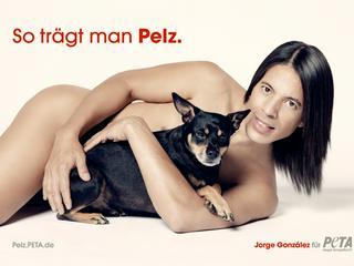 Jorge González zieht für PETA blank